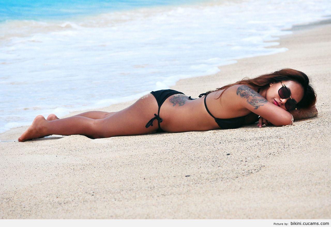 Bikini Spit Felching by bikini.cucams.com