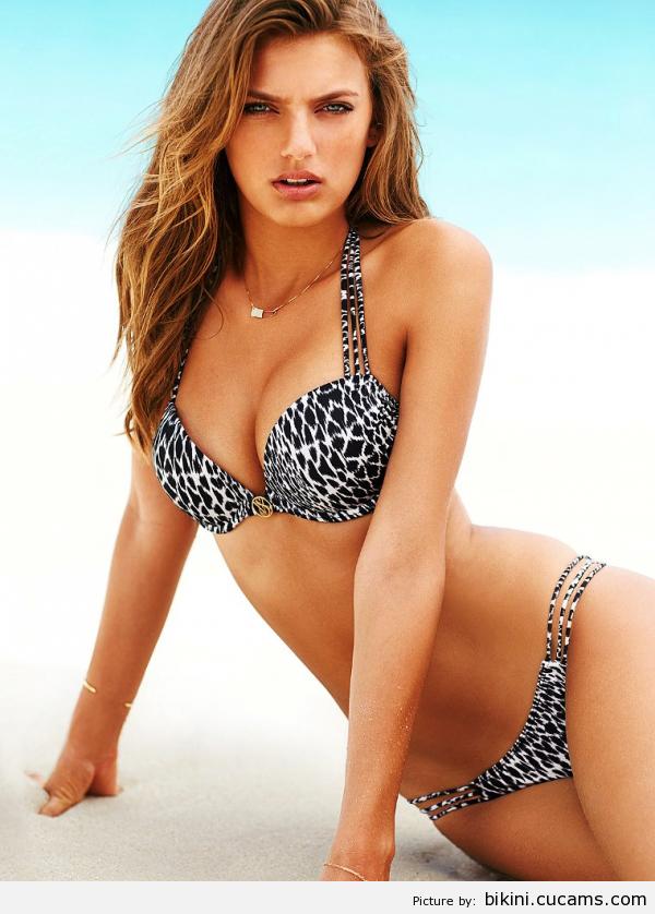 Bikini Babe Assfucking by bikini.cucams.com