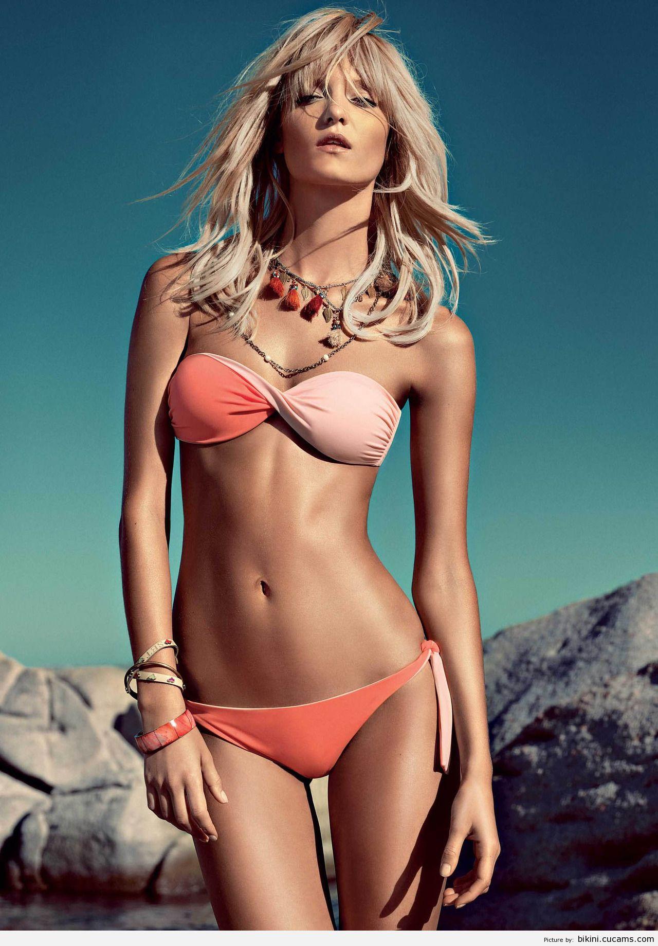 Bikini Erotic Threesome by bikini.cucams.com