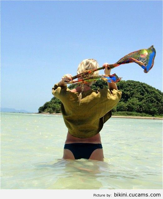 Bikini Goth Swimming by bikini.cucams.com