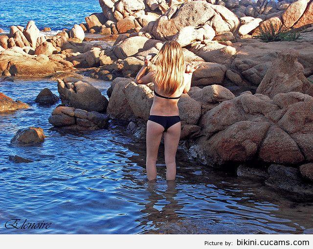 Bikini University Suck by bikini.cucams.com