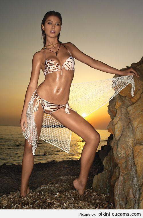Bikini Fitness Topless by bikini.cucams.com