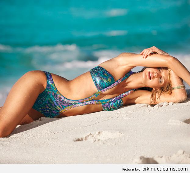 Bikini Balls Dildo by bikini.cucams.com