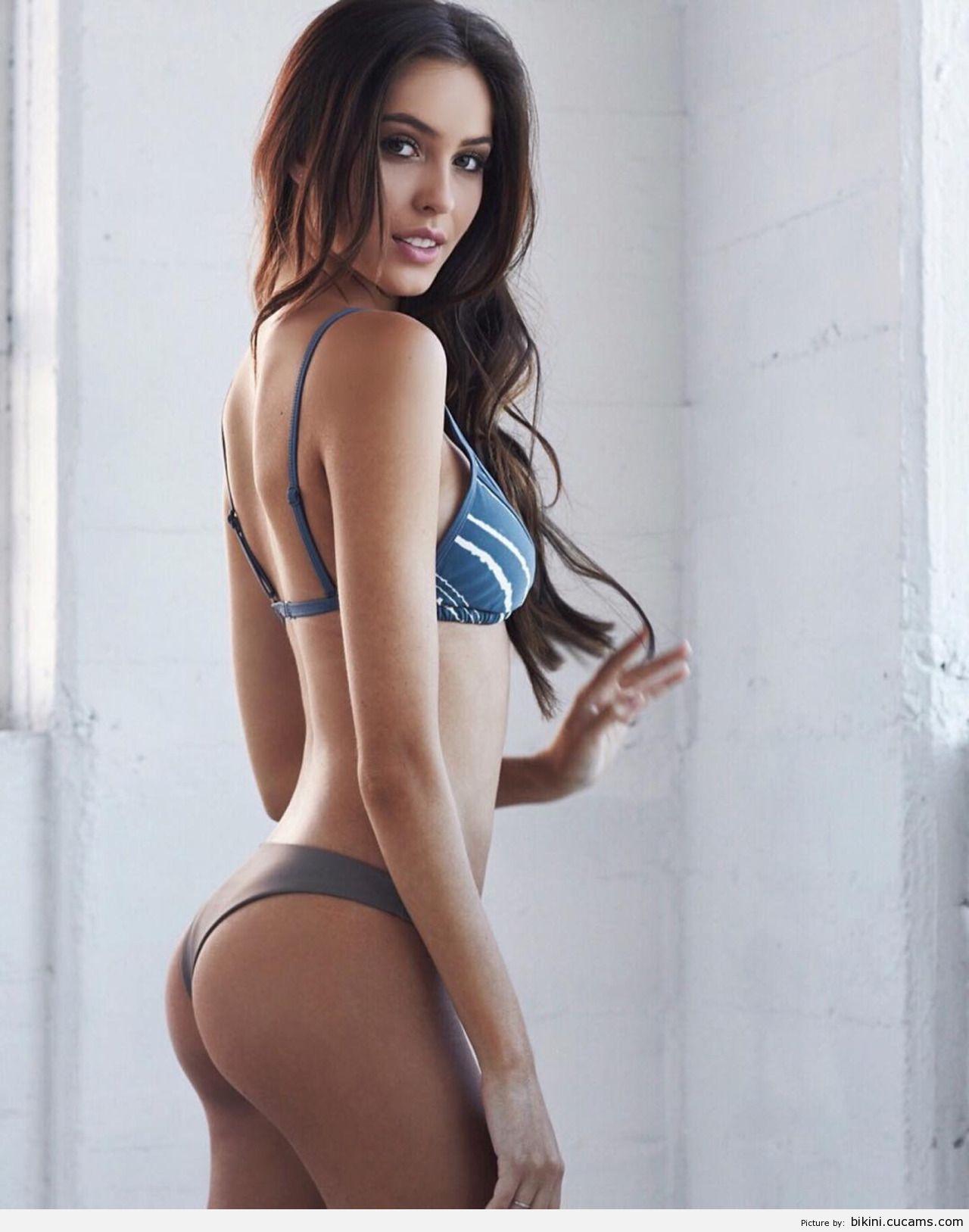 Bikini Buttplug Busty by bikini.cucams.com