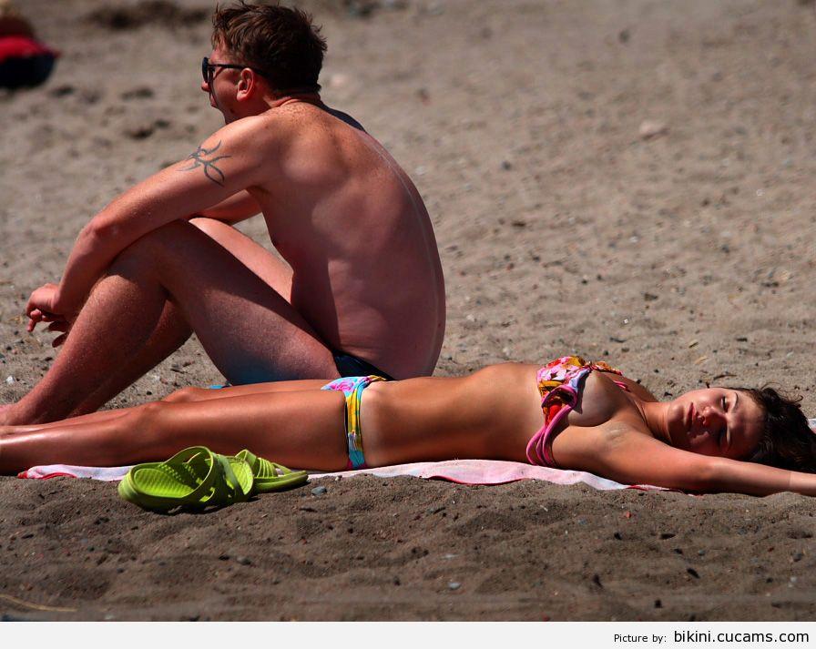 Bikini Housewife Pain by bikini.cucams.com
