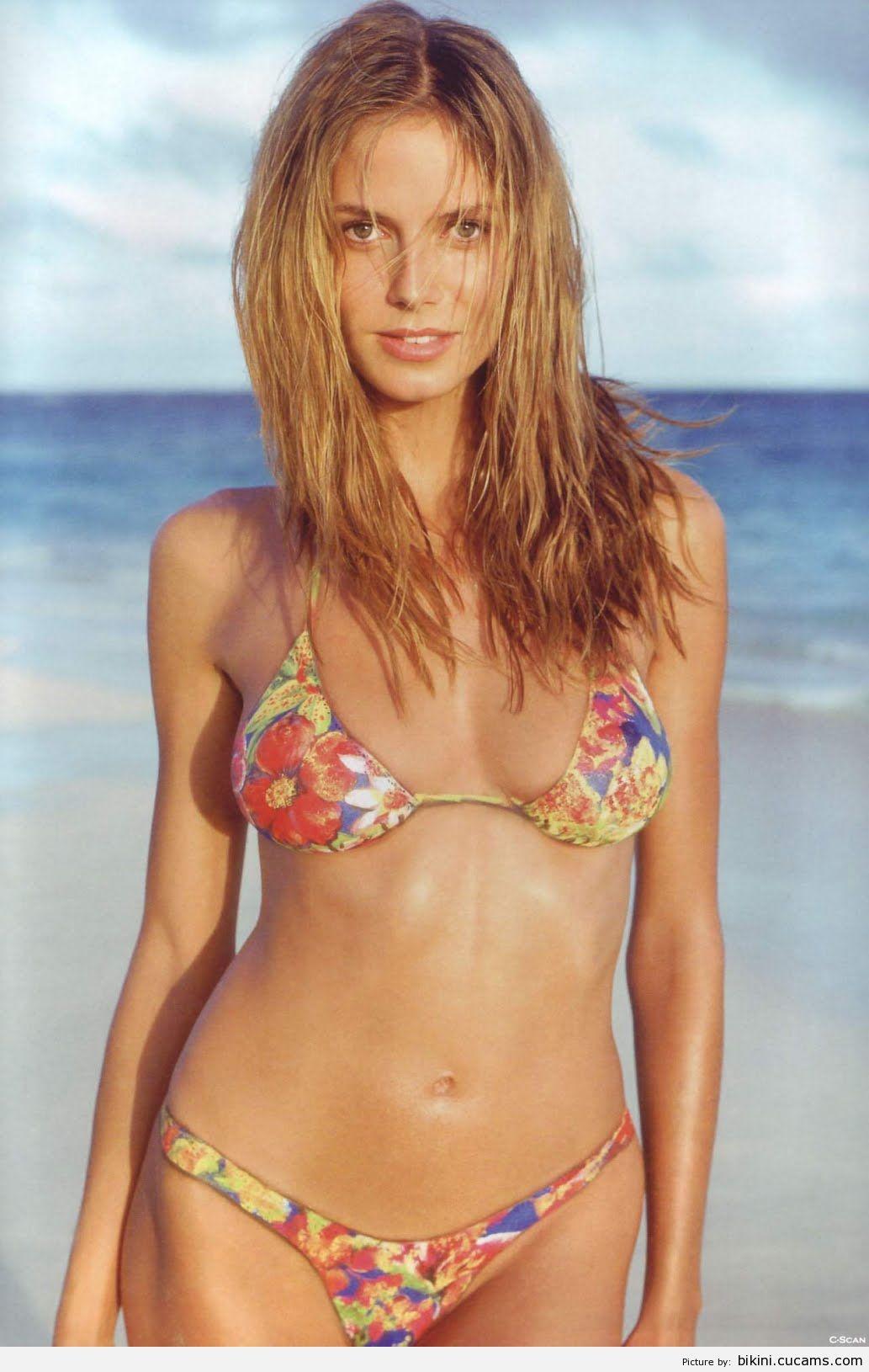 Bikini Plumber Tickling by bikini.cucams.com