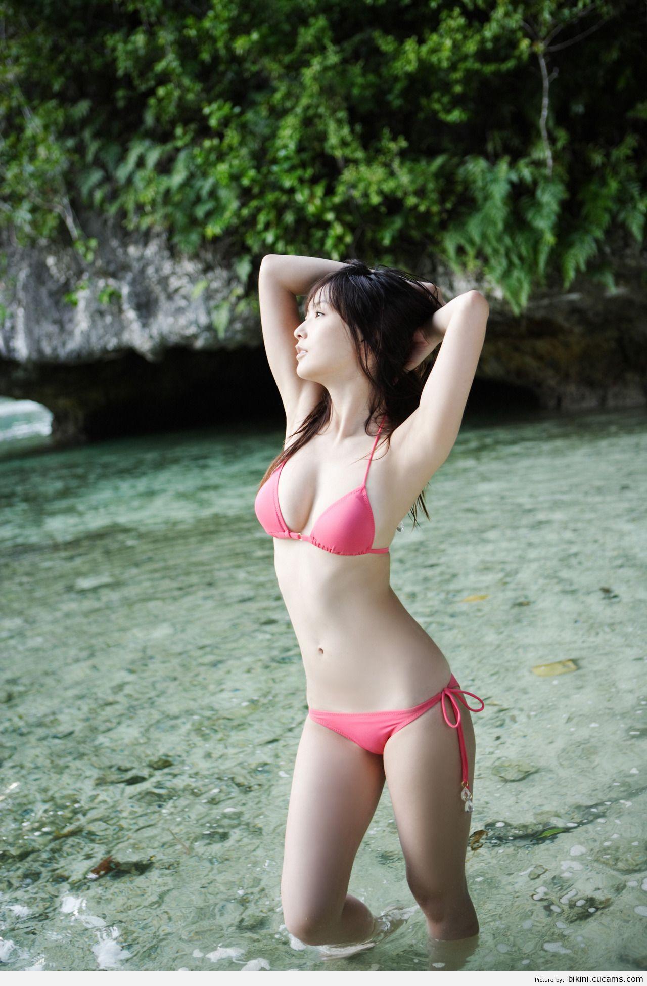Bikini Bisexual Kissing by bikini.cucams.com