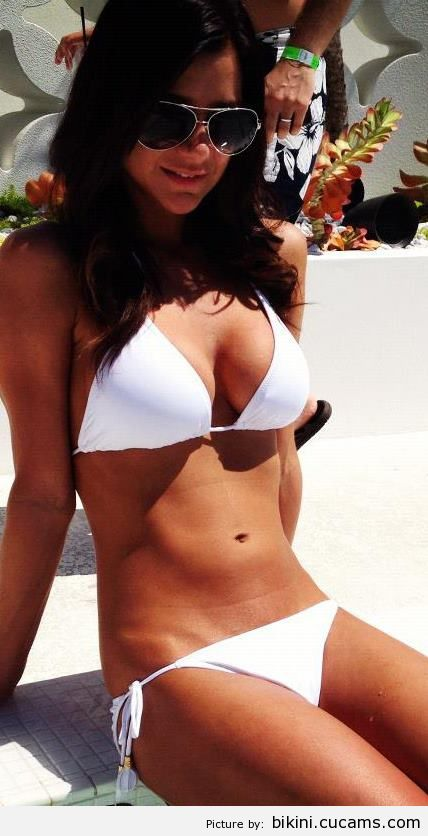 Bikini Foot Uncut by bikini.cucams.com