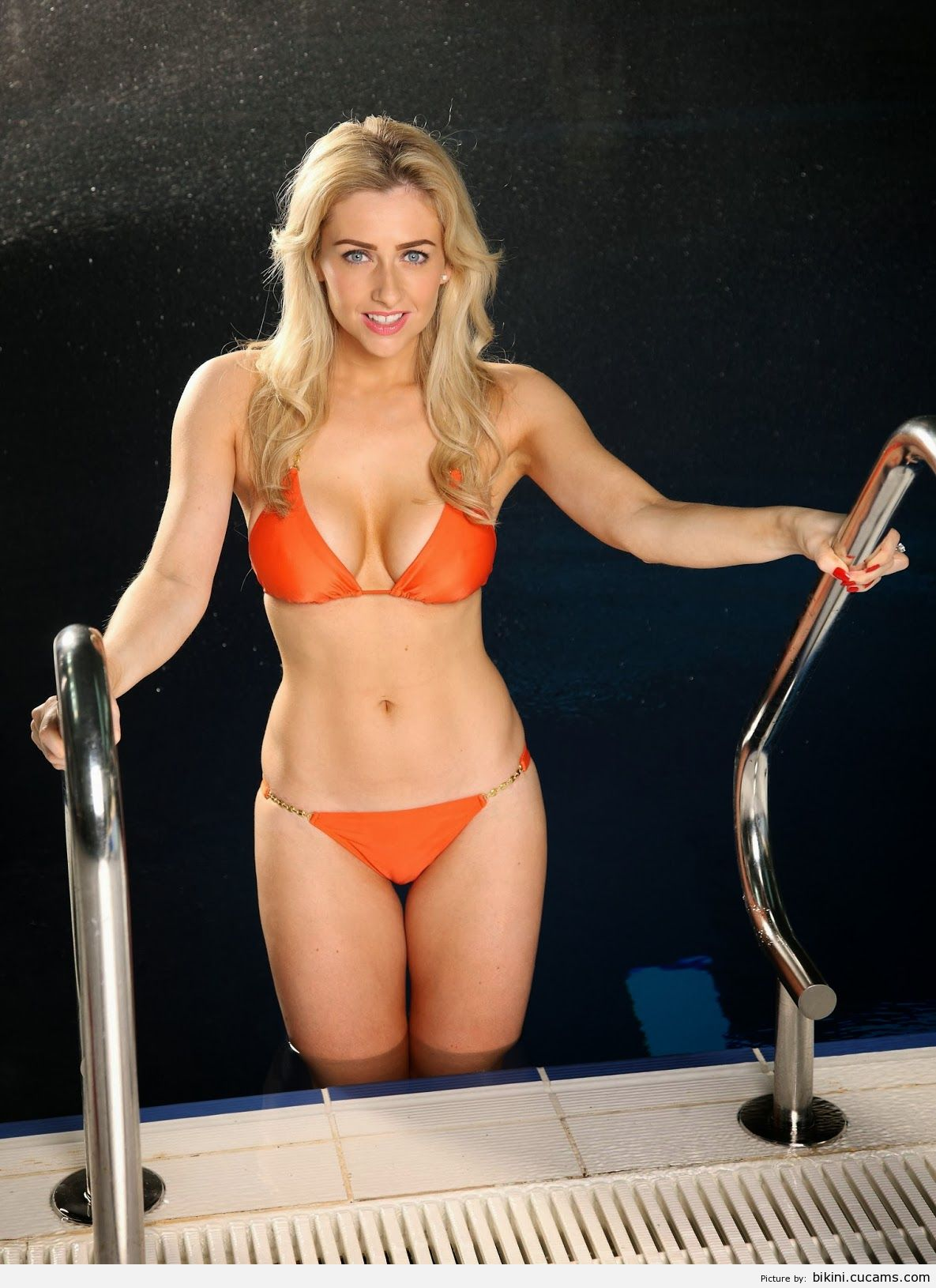 Bikini Plumber Nylon by bikini.cucams.com