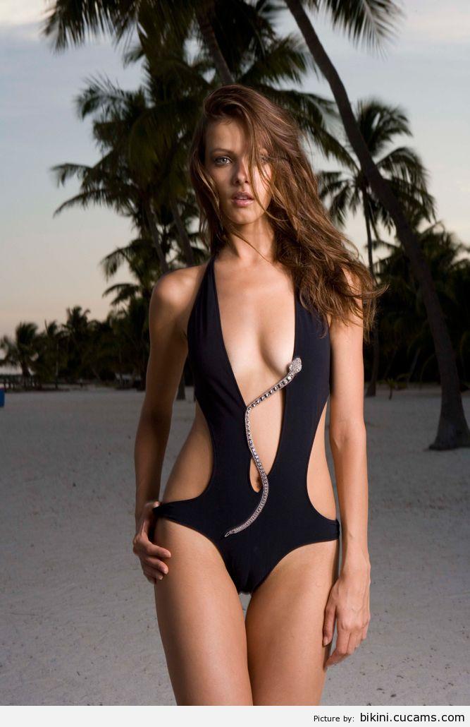 Bikini Cumshot 18 by bikini.cucams.com