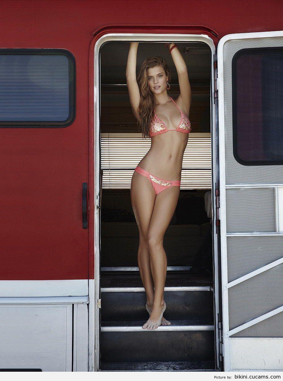 Bikini High Perky by bikini.cucams.com