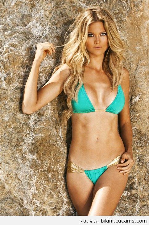 Bikini Felching Adultery by bikini.cucams.com