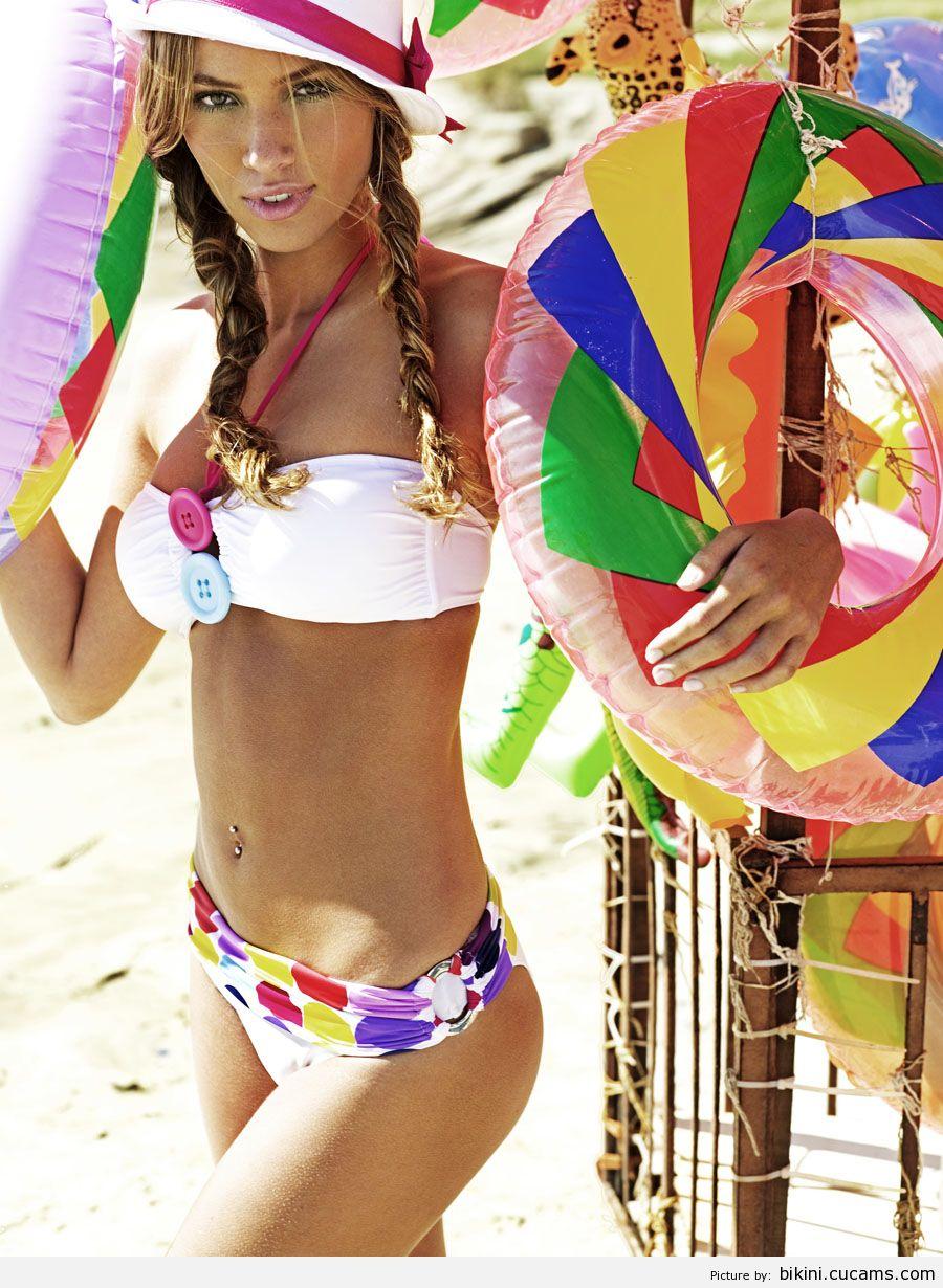 Bikini Smoking Humiliation by bikini.cucams.com
