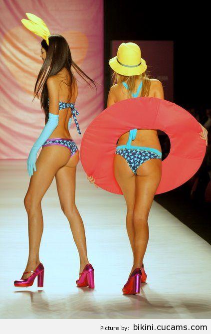 Bikini Weird Dick by bikini.cucams.com