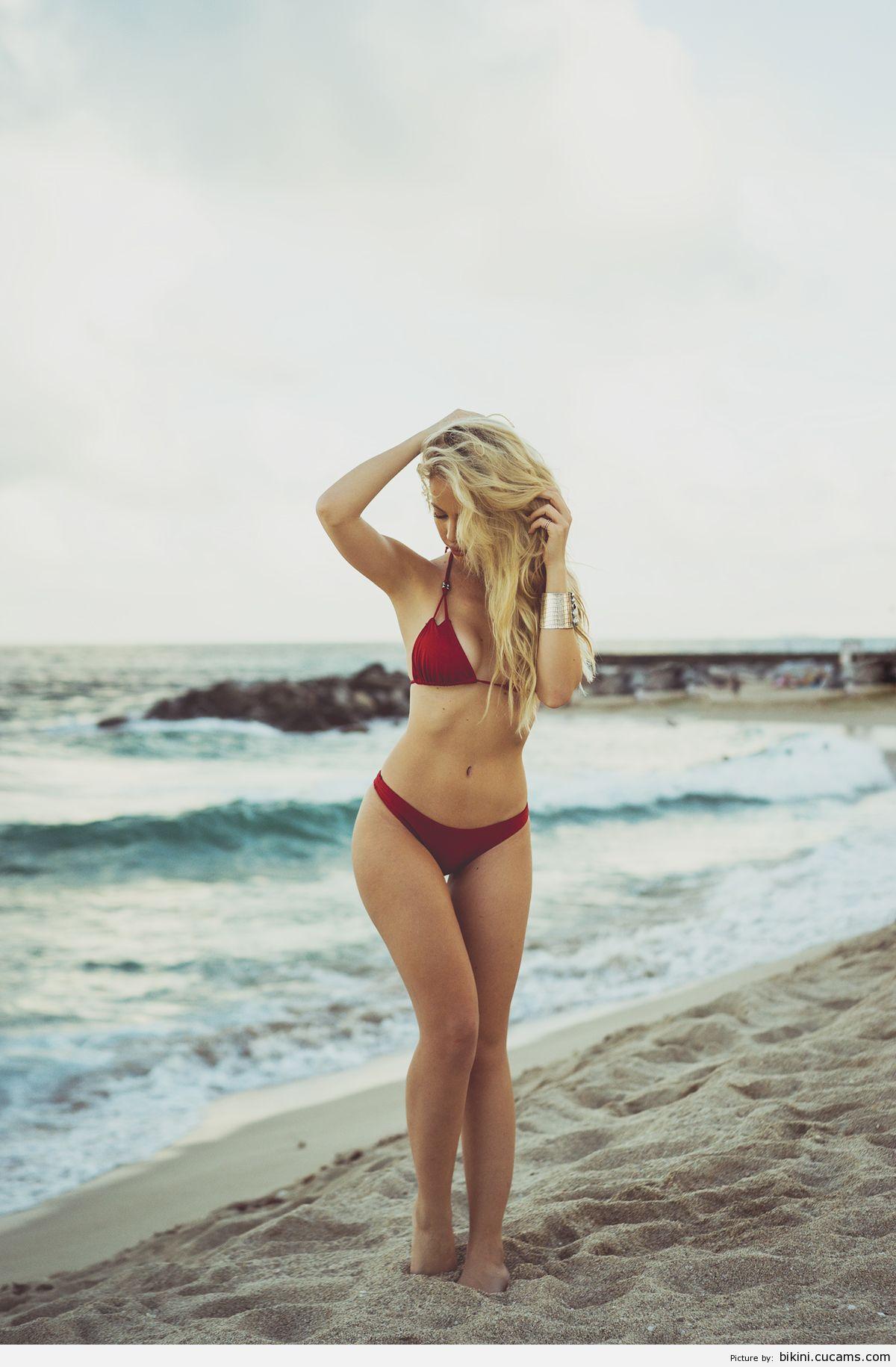Bikini Assfucking Nextdoor by bikini.cucams.com