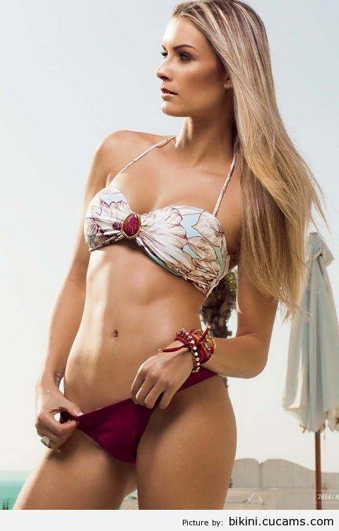 Bikini Breasts Seduce by bikini.cucams.com