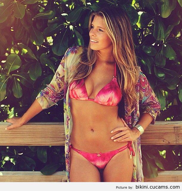 Bikini Big Beach by bikini.cucams.com