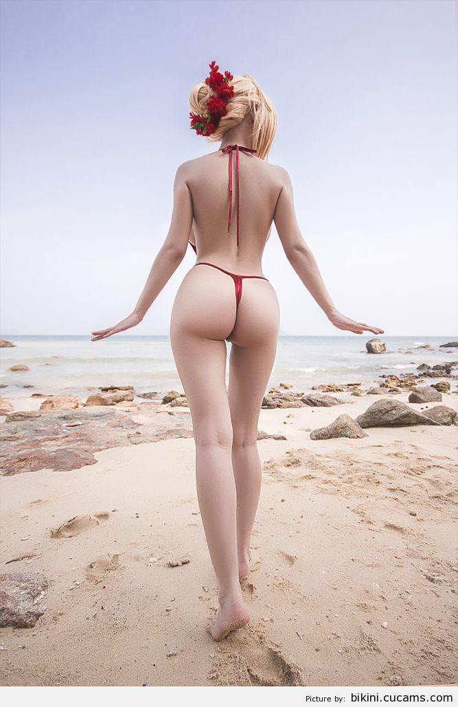 Bikini Watching Booty by bikini.cucams.com