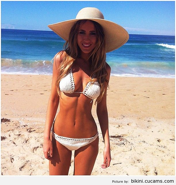 Bikini Straight Orgy by bikini.cucams.com