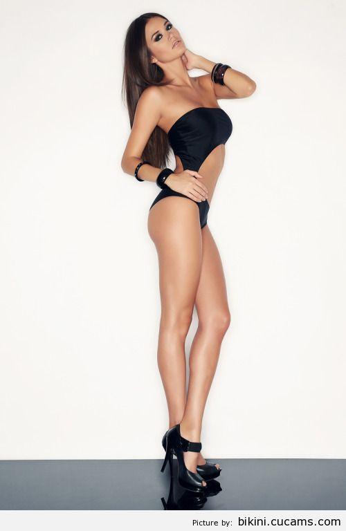Bikini Coed Juggs by bikini.cucams.com