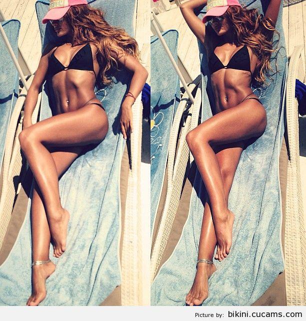 Bikini Spanked Bodybuilder by bikini.cucams.com