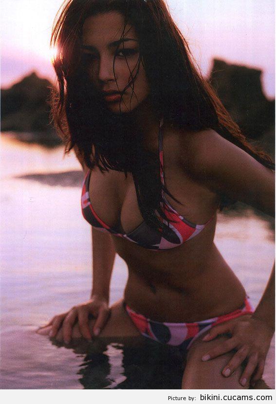 Bikini Facial Miniskirt by bikini.cucams.com