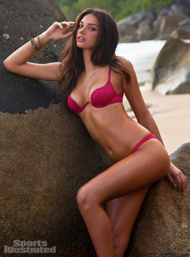 Bikini Facial Chained by bikini.cucams.com