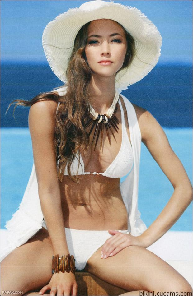Bikini Pornstar Gloryhole by bikini.cucams.com
