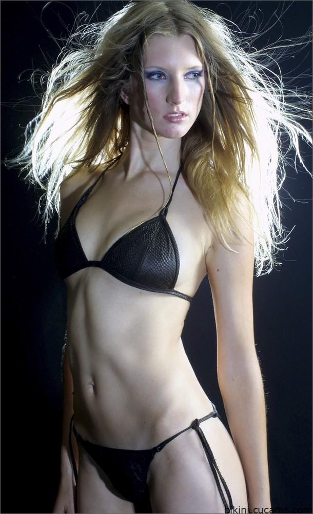 Bikini Virgin Deep by bikini.cucams.com