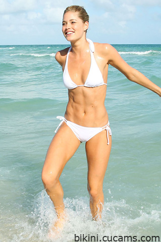 Bikini Ass Swimsuit by bikini.cucams.com