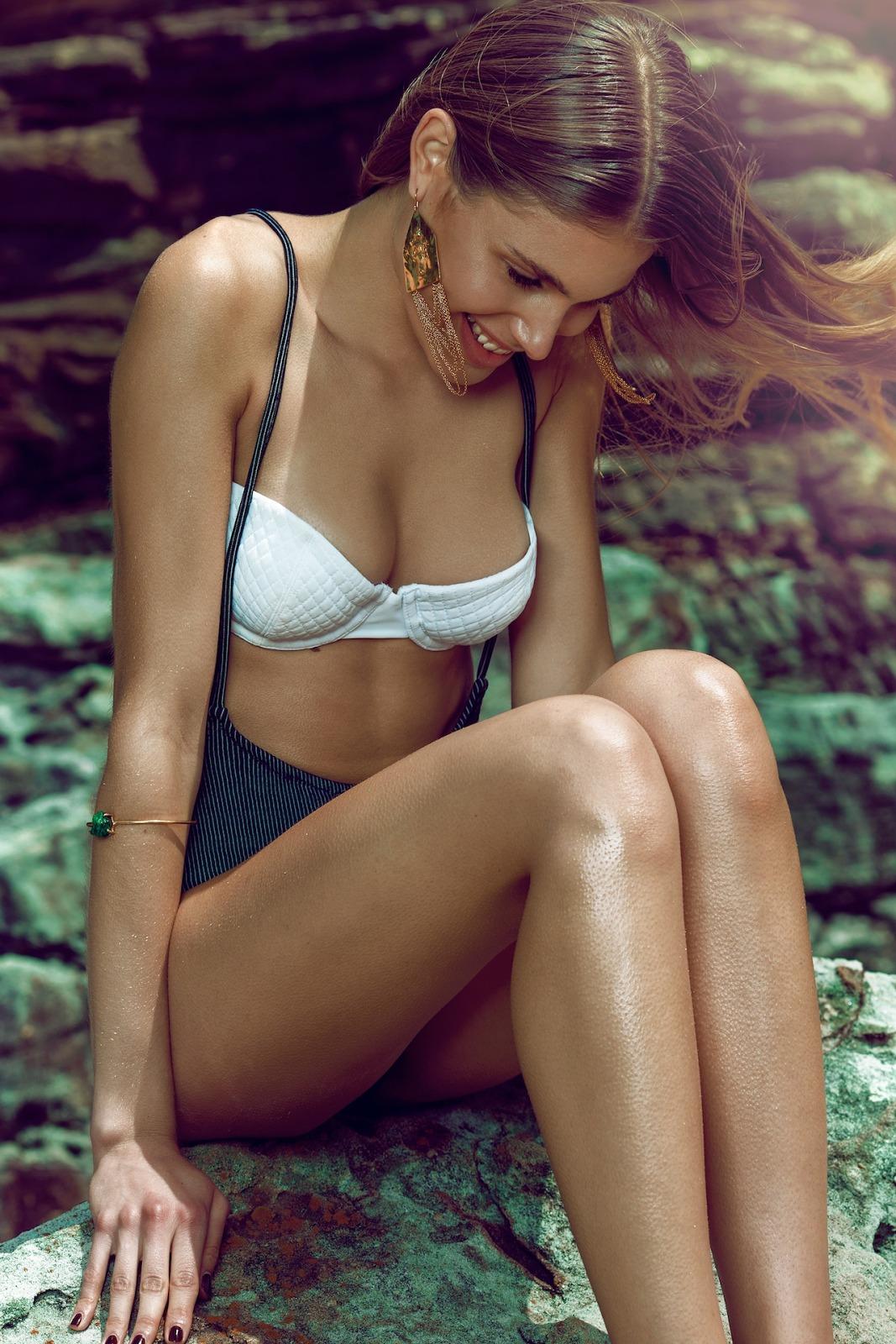 Bikini Oriental Latex by bikini.cucams.com