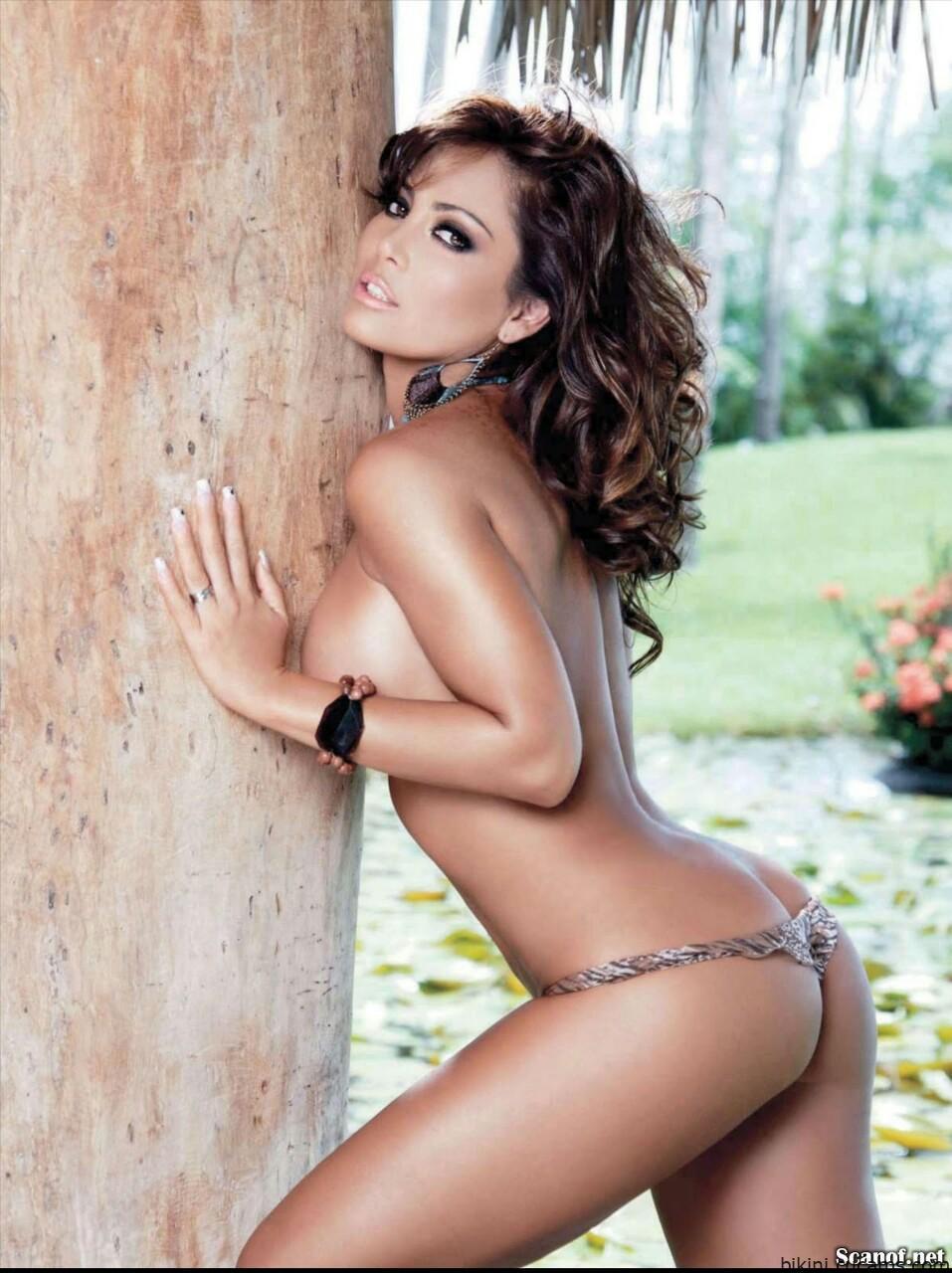Bikini Tease Celebrity by bikini.cucams.com