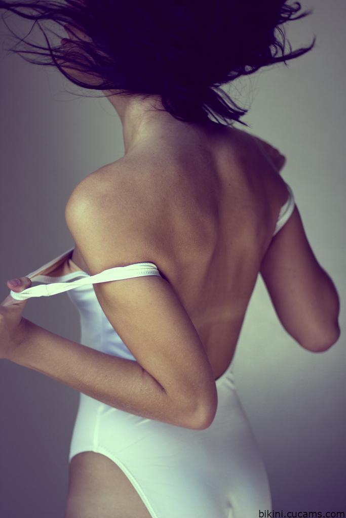 Bikini Penetrating Flexible by bikini.cucams.com