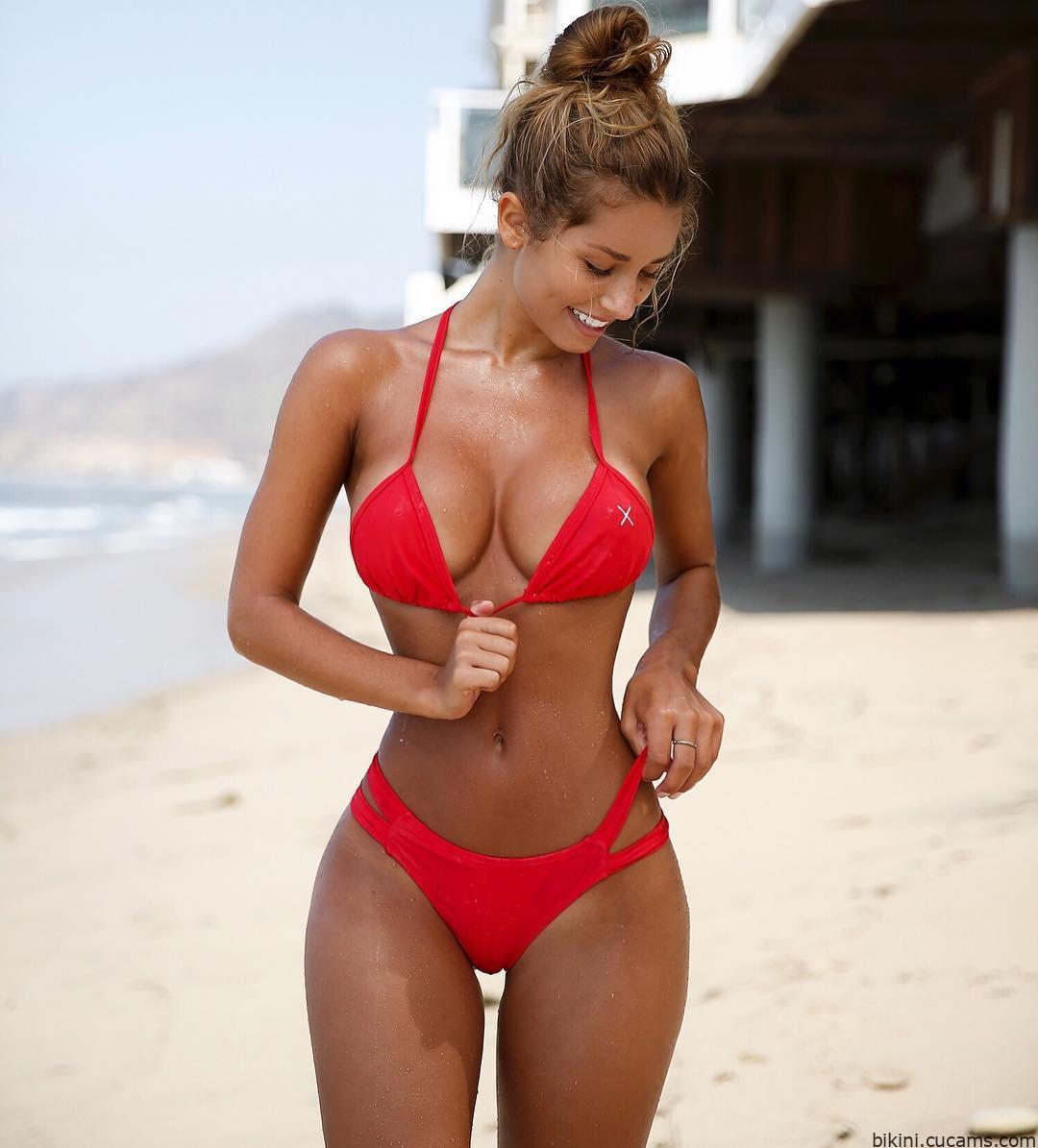Bikini Shorts Farting by bikini.cucams.com