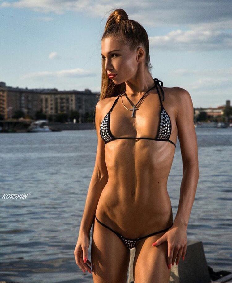 Bikini Pierced Cougar by bikini.cucams.com